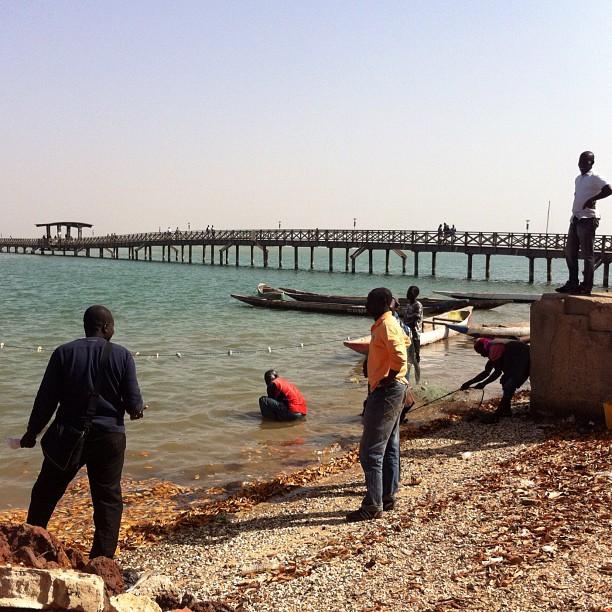 Pêcheurs au boulot, à Joal-Fadiouth