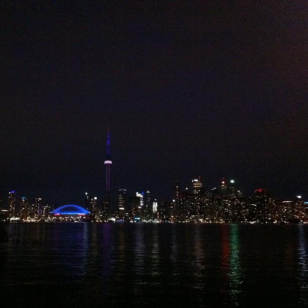 Toronto by night. Vue depuis les Îles.