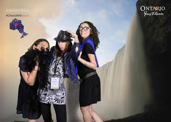 Avec Adeline (alias Voyages etc) et Sarah (@SaraTourDuMonde), deux blogueuses françaises avec qui j'ai eu énormément de plaisir.
