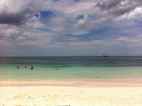 La plage du Paradisus Palma Real est plutôt calme. Très peu de vagues.