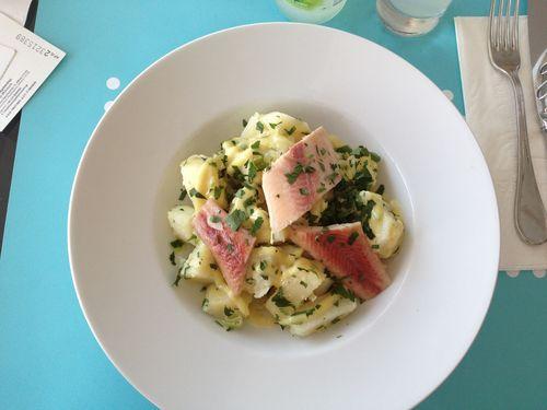 Salade de pommes de terre et poisson