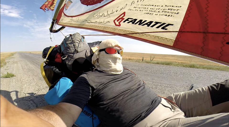 Laurent Houssein d'Asiatrek dans son vélo à voile !